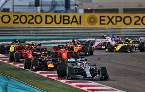 「メルセデスPUに追いつくのにこれほど時間がかかるとは」F1ボス、ライバルたちの苦戦に驚き