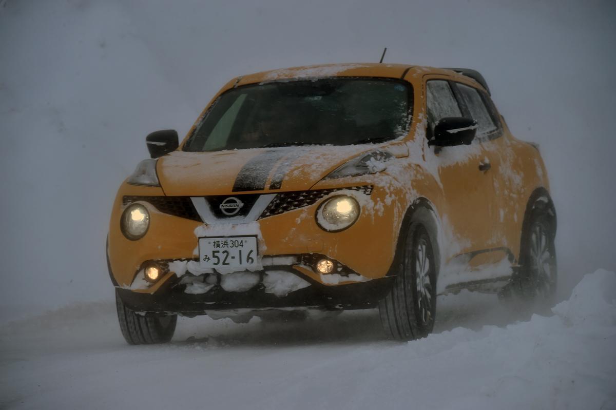 判断を間違えると簡単に命を落とすことも! クルマの運転中に吹雪で前が見えなくなった時にするべきこととは