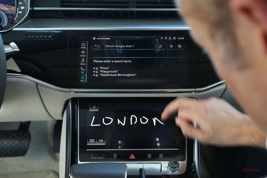 アウディ W12搭載のA8「ホルヒ」投入へ マイバッハに対抗