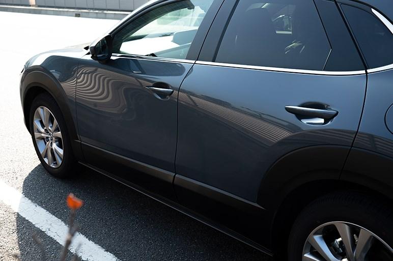 マツダCX-30のオススメは高速道路で美点多いディーゼル。後席や硬めの乗り心地は要確認