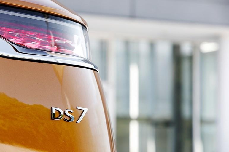DS7 クロスバック試乗 キザでいやらしいと感じようがそれがこのクルマらしさ