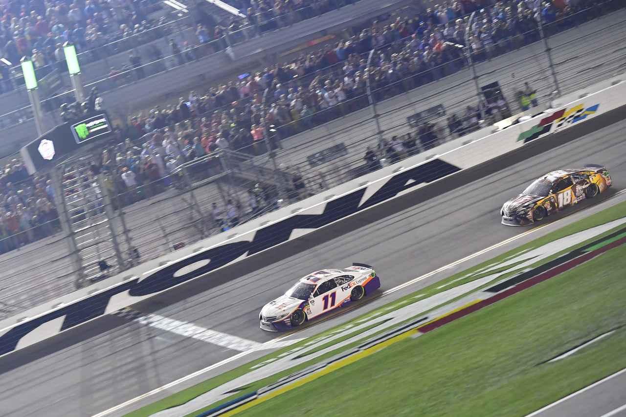 NASCAR開幕戦デイトナ500でトヨタ カムリが1-2-3フィニッシュ【モータースポーツ】