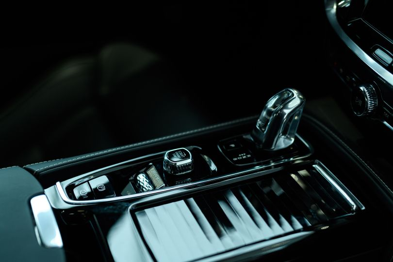 新世代ボルボのセダンは想像以上にカッコいいぞ!──ボルボの新型S60、日本初お披露目