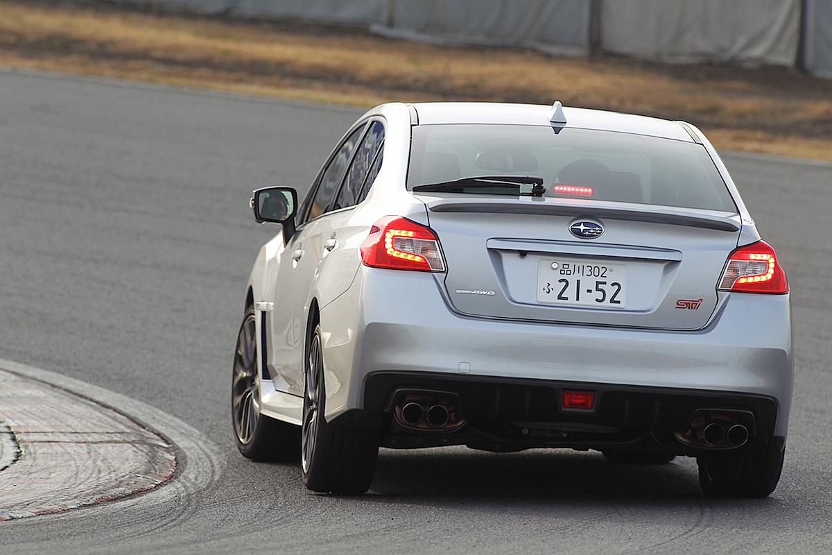 タイヤに荷重を掛けるとグリップ力が増加!「荷重移動」を知るだけでクルマの安定感が変わる