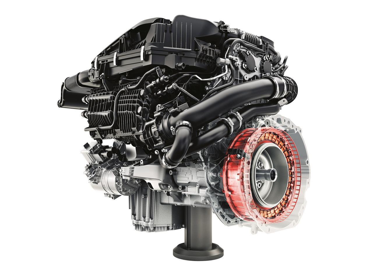 【試乗】メルセデス・AMG E53 4マティックは直6エンジンを搭載。圧倒的な加速力のまさにスーパースポーツセダン!