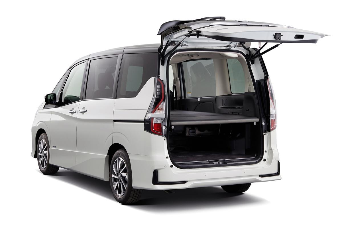 いま人気のミニバン「日産セレナ」の車中泊仕様が登場! マルチに使える完成度