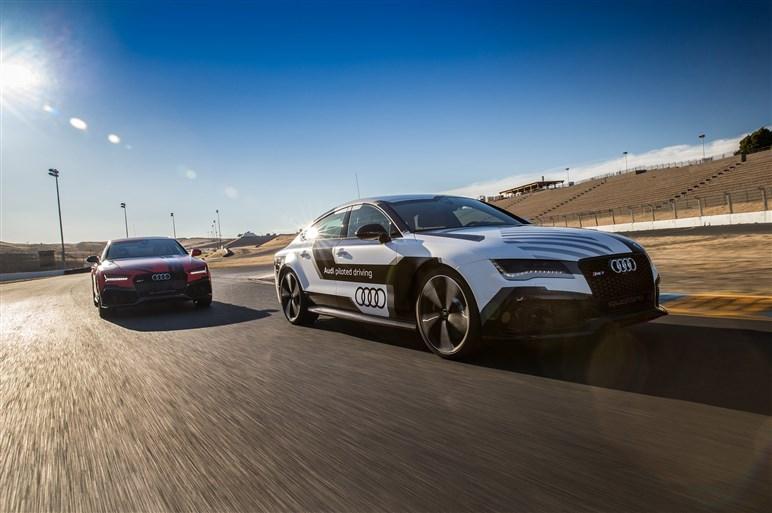 注目の「自動運転」、各メーカーが考える未来のクルマ社会とは?