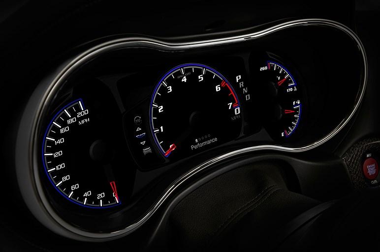 最高速290km/hでブッ飛ぶSUV史上最速のチェロキーが発表される