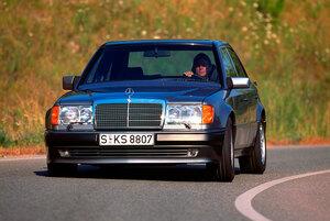 日本でも人気のヤングタイマー、メルセデス・ベンツの「W124型Eクラス」が35周年!