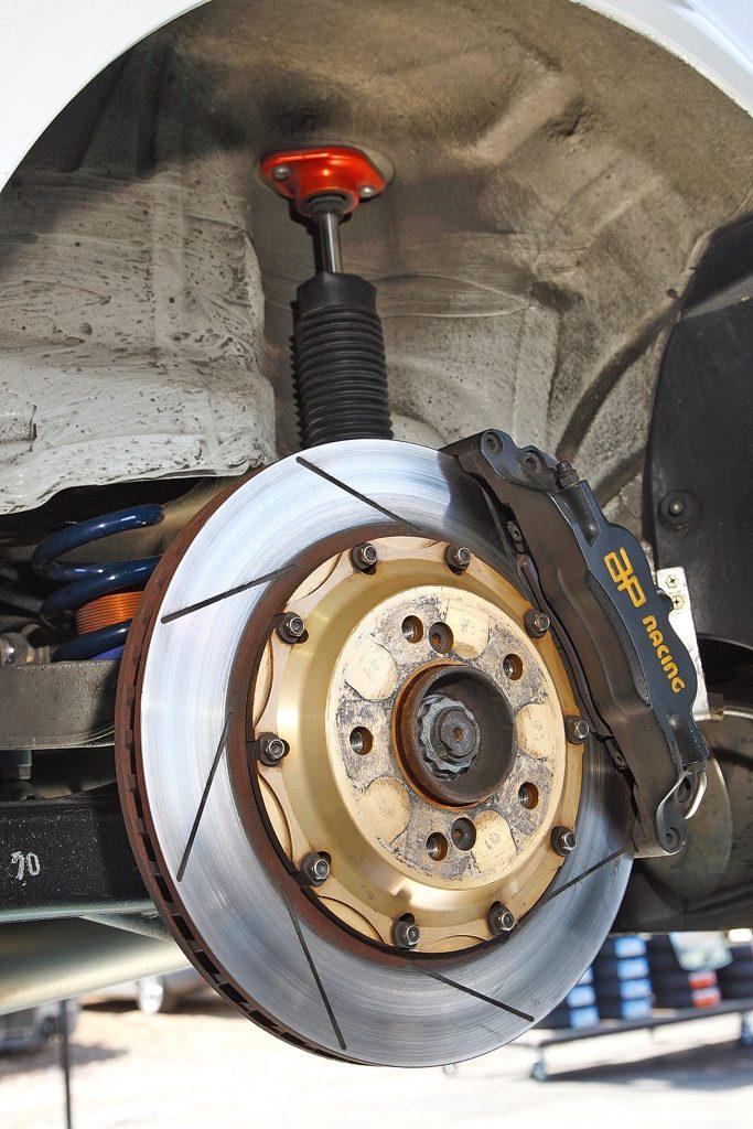 「国産チューナーが手がけた至宝のBMW M3(E46)サーキット仕様」心臓部はNOSで400馬力までドーピング!