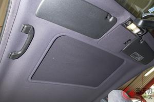 【欧州車あるある】天井内張りが落ちてきたらどう対処するのがベター?