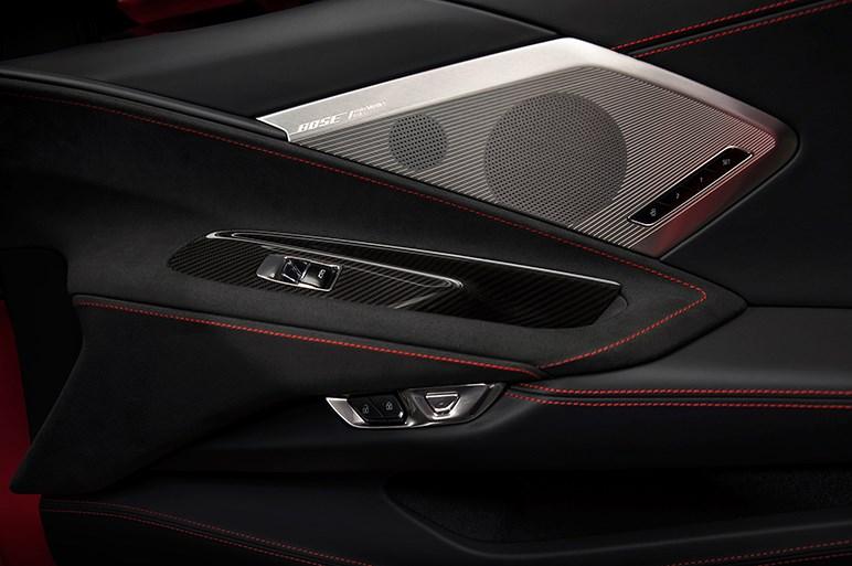 米GM、8代目となる新型コルベットを発表。6.2リッターV8搭載、ミッドシップへ