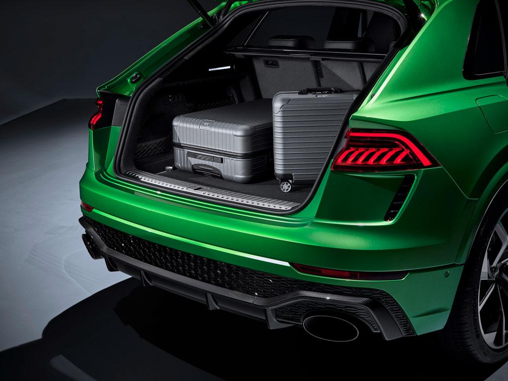 アウディがQシリーズの最強モデル、「RS Q8」を発表!