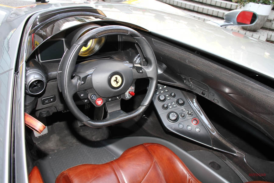 実車 フェラーリ・モンツァSP1、アークヒルズに降臨 Icona初のモデル