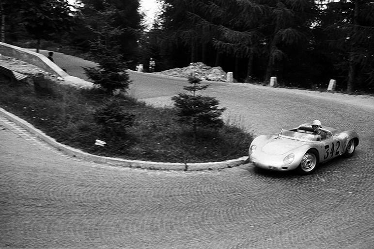 ポルシェが1台だけ作ったボクスターベースの軽量ヒルクライムレーサーの独占ウラ話
