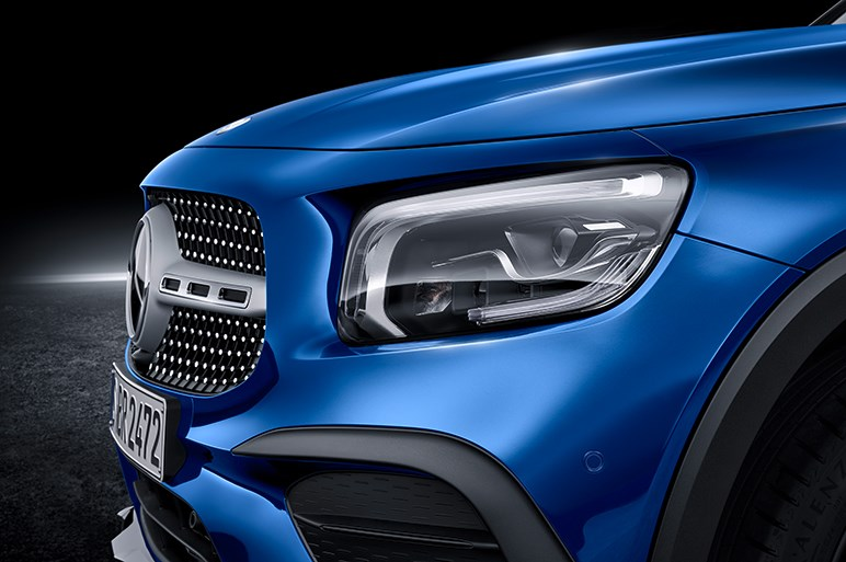 また売れちゃう? メルセデス・ベンツの新型コンパクトSUV「GLB」の市販モデルが登場