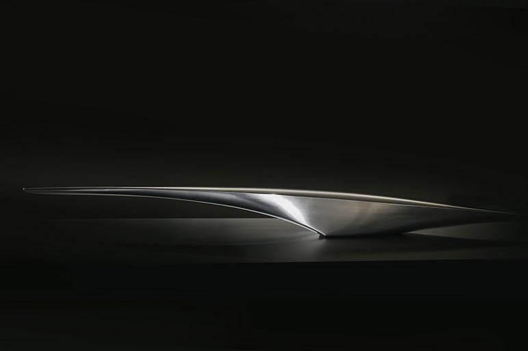 マツダ、「ビジョンクーペ」と「魁(カイ)コンセプト」の2台を世界初公開