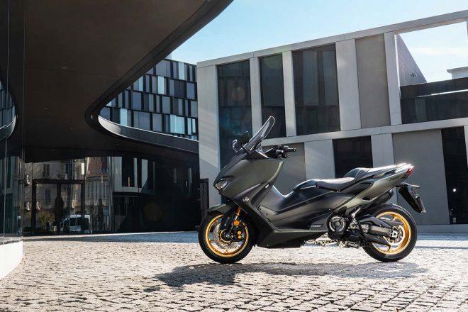 ヤマハ、排気量をアップしたTMAXシリーズの後継モデル「TMAX560 TECH MAX ABS」「TMAX560 ABS」を新発売