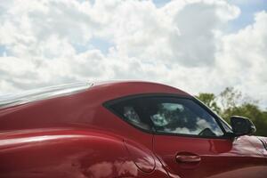 トヨタ・スープラとBMW Z4、メルセデスGクラス、そしてジャガーEペイス。共通しているのは、なに?