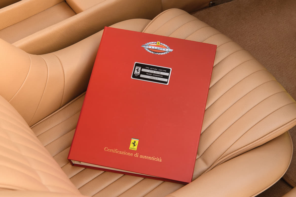 レーシング・フェラーリF40が約6億円で落札! 最新スーパーカーも出品されたRMオークション