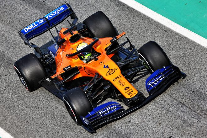 マクラーレンF1、プレシーズンテスト2日目はノリスが初となるロングランを実施