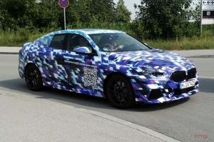 新型BMW 2シリーズ・グランクーペ QRコード付き、カモフラージュ姿で公道に