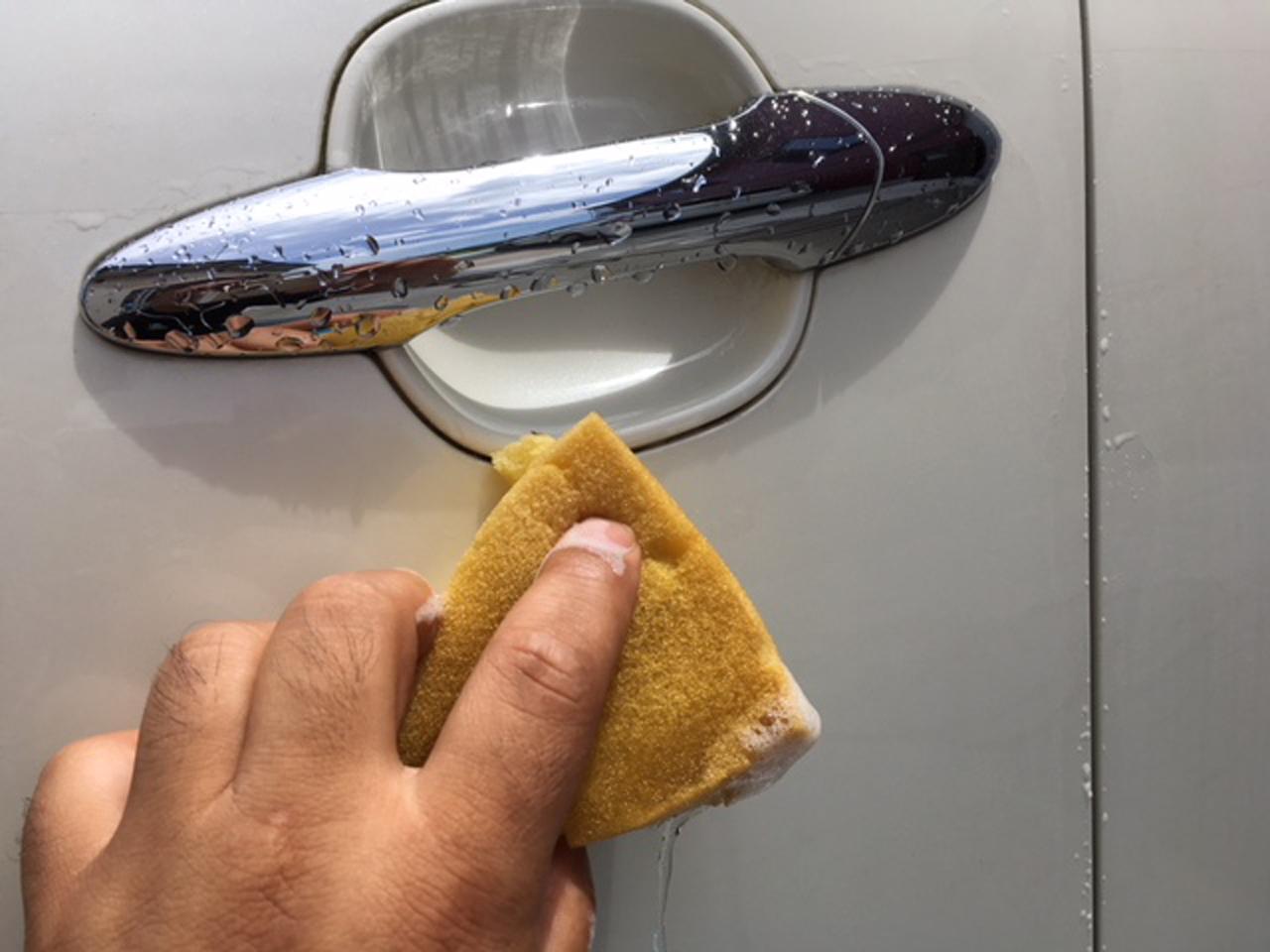 気づいた時が洗車時。あなたはどれくらいの周期で洗車してる?|フジモンのクルマ生活豆知識 107
