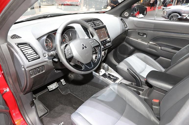 三菱RVRのMC版は最新フェイスでアグレッシブさを強調。コネクト機能も強化