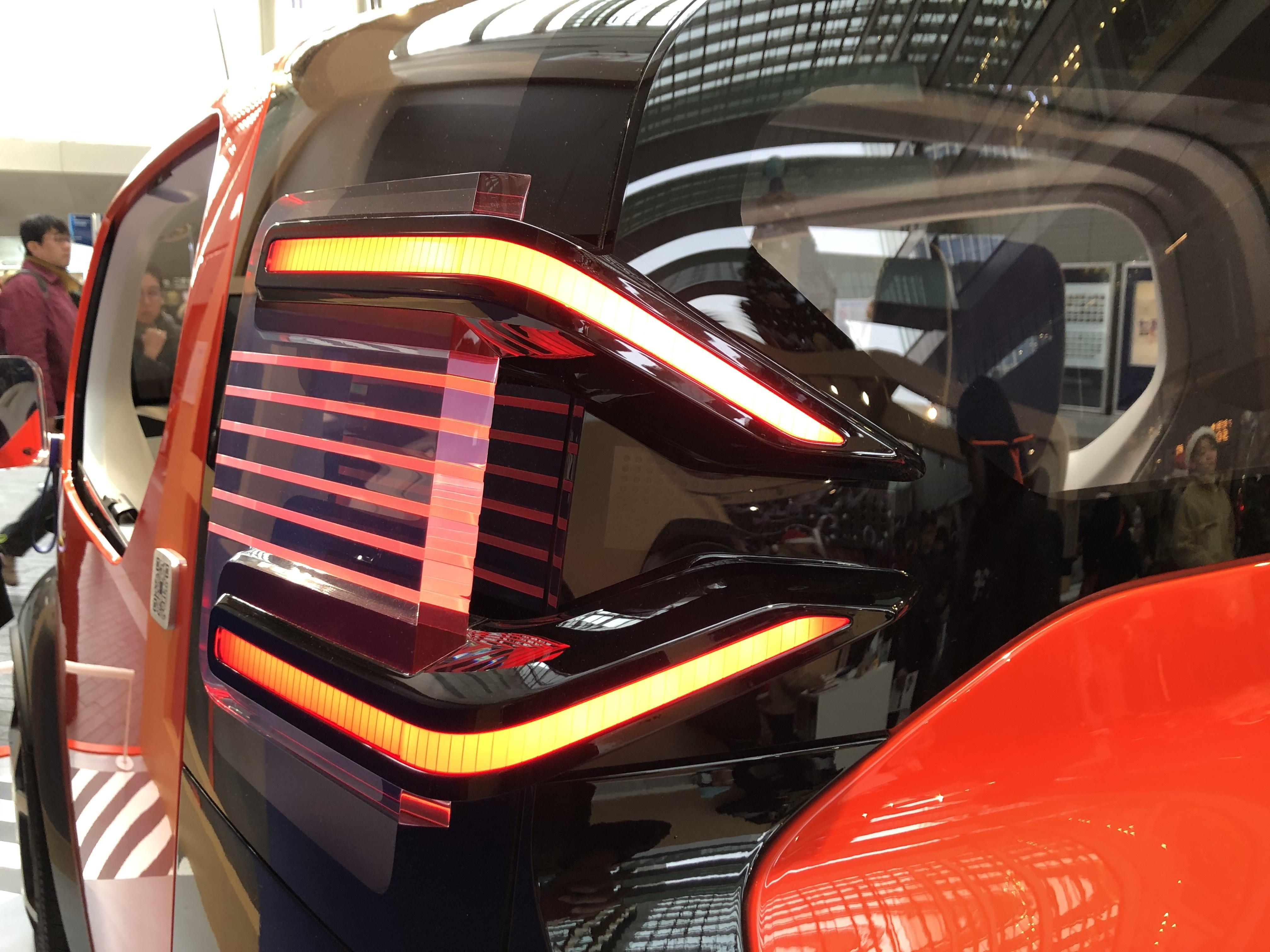 シトロエンのEVコンセプトカー「AMI ONE」が日本初公開。その本気度がタイヤに見えた