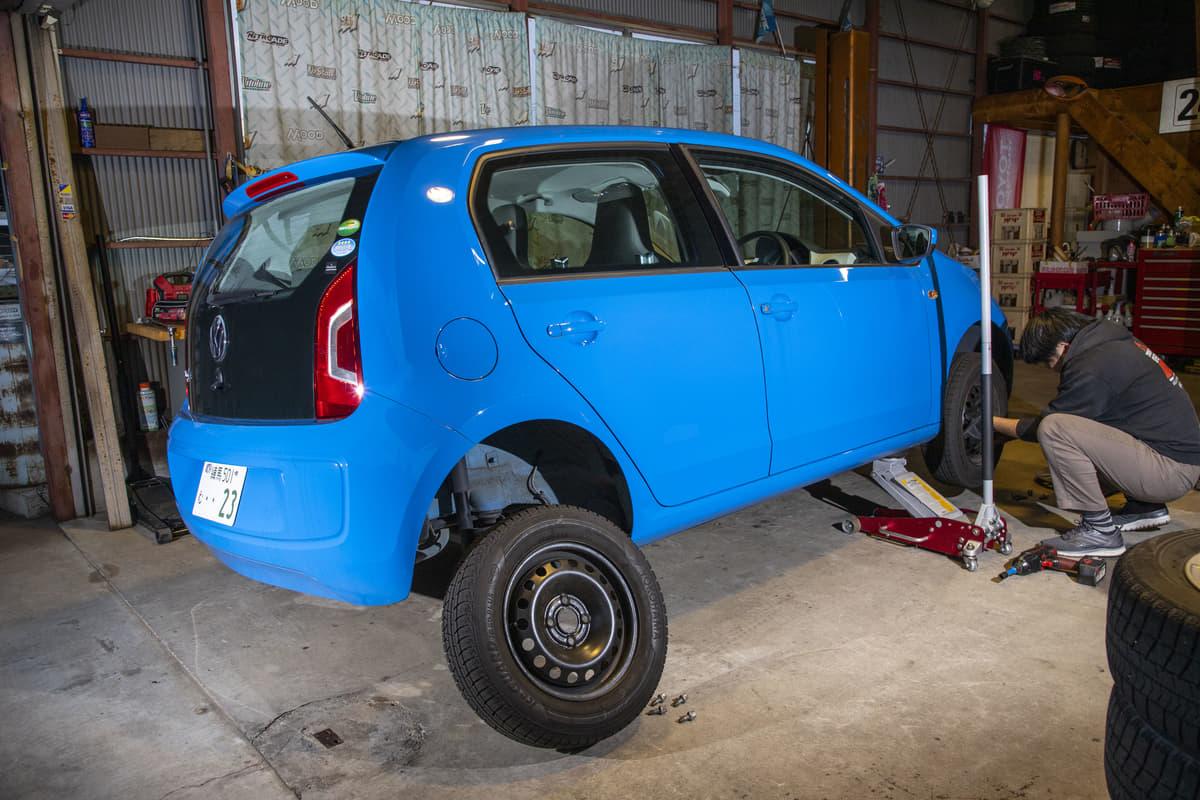 タイヤのローテーション「効果と駆動方式で変わる正しい位置交換とは」