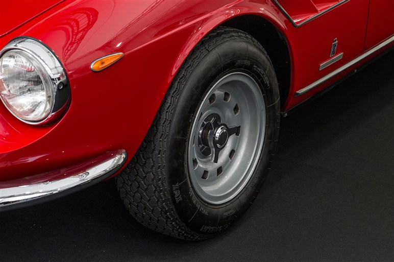 フェラーリ GTC4ルッソを日本初公開。後輪操舵の4WDシステム採用