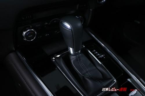 マツダ CX-8 XD L Package内装レビュー(1)【運転席周りのデザイン&機能性をチェック!】