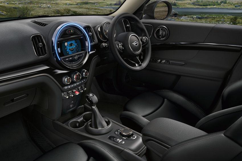 「道」がデザインモチーフの限定車「MINIクロスオーバー ノーフォークエディション」発売