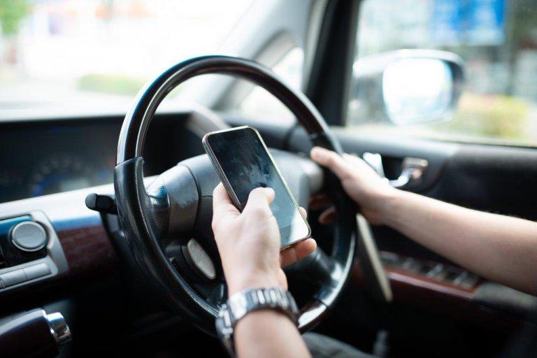 【運転中スマホ厳罰化!! あおり運転危険罪追加!!】免許取得時から大きく変わった道交法の要点チェック