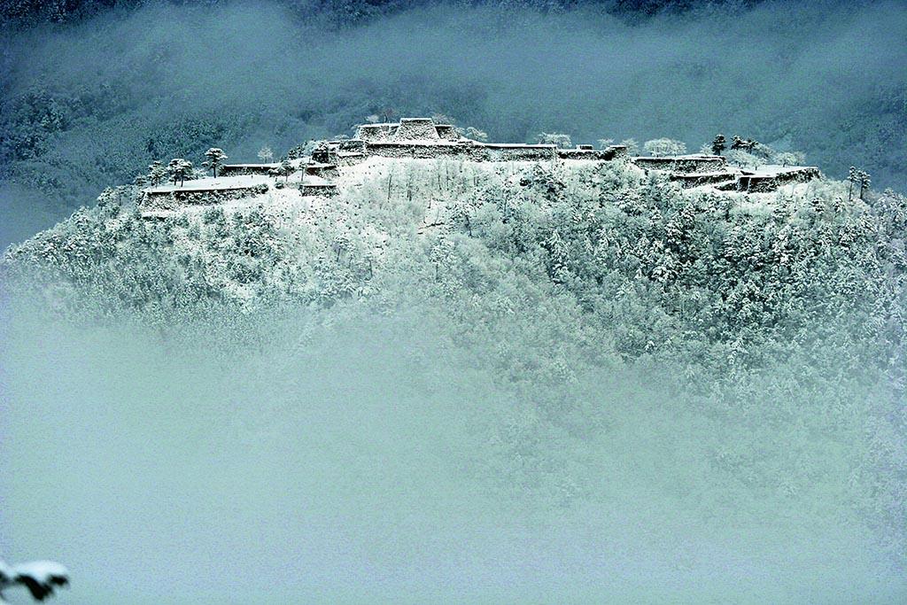 遠景も近景も楽しめる大人気の「天空の城」(兵庫県 竹田城跡)【雲海ドライブ&スポット Spot 61】