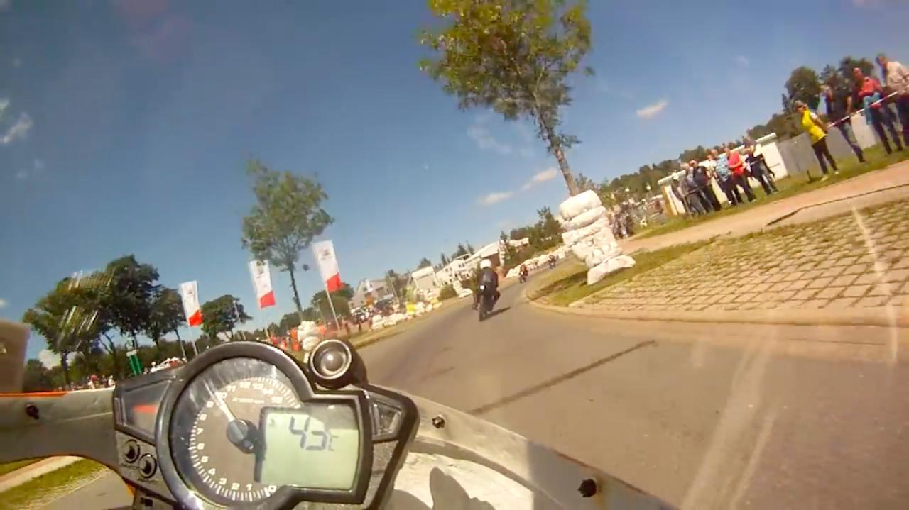 [貴重映像!!] あのラルフ・ウォルドマンが50ccのGPマシンで、ドイツ市街地特設コースを激走する動画です!