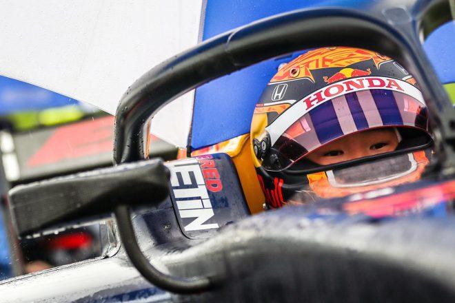 痛恨のピットミスで2位の角田裕毅「メカニックを責めるつもりはない。無線が壊れて焦ってしまった」【FIA-F2第2戦レース1】