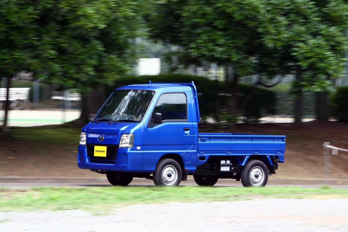 軽トラの「青いサンバー」まで新車を上まわる中古価格!  コロナ禍でも下落しない恐るべきスバル限定車の人気っぷり