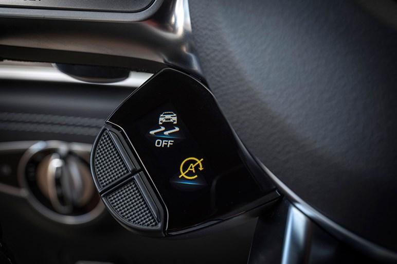 AMG GTとパナメーラ。超高性能4ドアクーペ2台はスタンスが違う