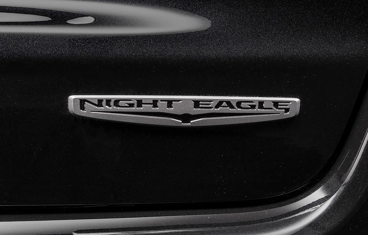 上級グレードの安全装備を搭載したジープ「コンパス ナイトイーグル」を台数限定で発売