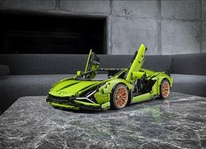 ランボルギーニのレゴはシザーズドアも再現!ハイブリッドV12スーパーカー「シアンFKP 37」制作を発表