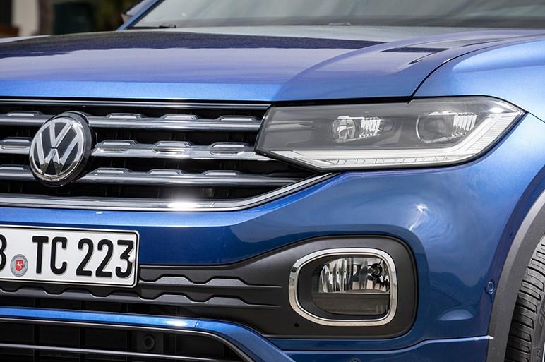 まさに日本サイズ&ポロより出来もいいVW Tクロス。300万円切れば国産SUVが危ない