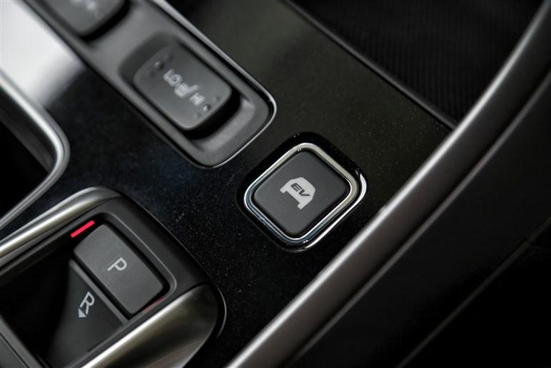 新型アコード、モーターを主役とする未来派ハイブリッドの実力は?