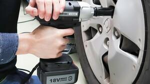 最短2秒でボルトの締め外しが完了!タイヤ交換を簡単にできるサンコーの充電式電動インパクトレンチ