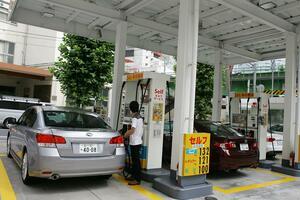 【電気自動車は大して売れてない!】それでもガソリンスタンドが減少し続けている理由