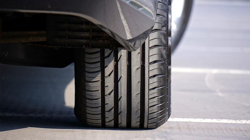 タイヤやバッテリー、オイルの交換するタイミングはいつ?
