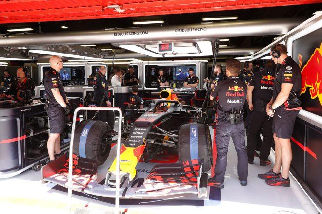 F1スペインGPの舞台、カタロニア・サーキットで改修工事。ガレージの照明設備などを刷新