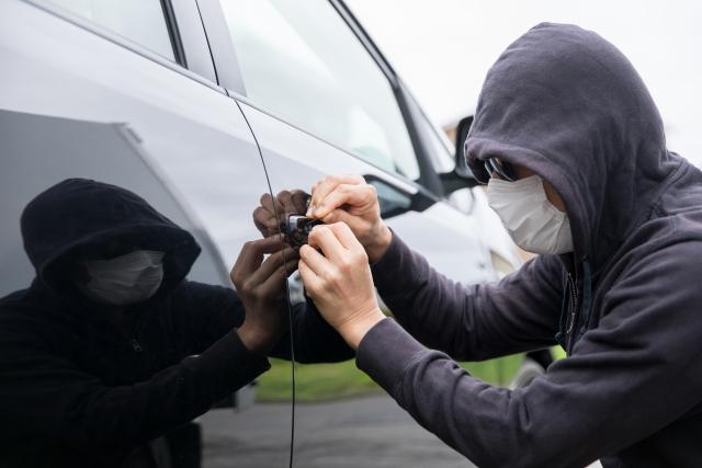 リレーアタックなど高度化する車両盗難!発生件数は減少傾向にあるが人気モデルは要注意