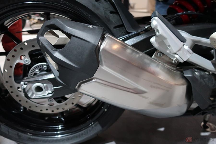 BMW「F900R/F900XR」発売決定 純粋なライディングを楽しめるロードスター