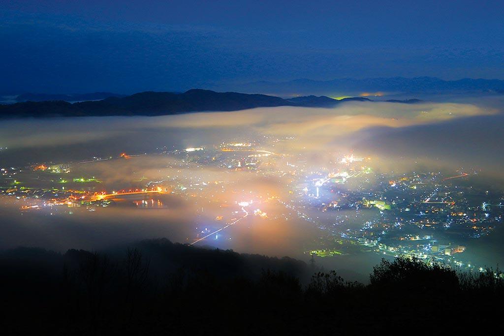 水量豊富な江の川から湧く川霧が三次盆地を白く埋めつくす(広島県 高谷山展望台)【雲海ドライブ&スポット Spot 72】